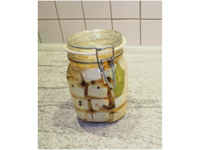 Das Runde im Eckigen – eingelegter Camembert